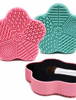 Silicone Makeup Brush Cleaner Pad pink in Carnesia
